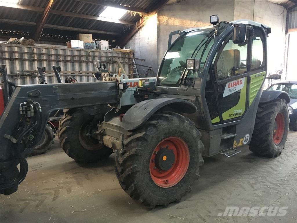 CLAAS SCORPION 7044 VARIPOWER