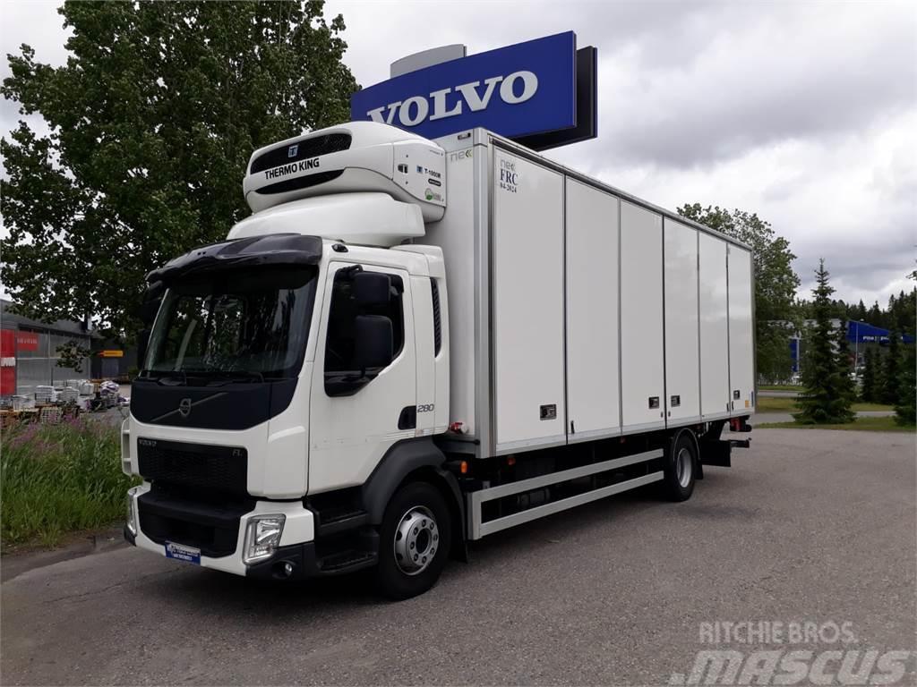 Volvo FL818