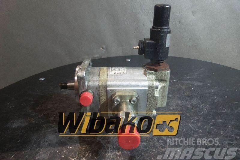 Bosch Gear pump / Pompa zębata Bosch 1517221123