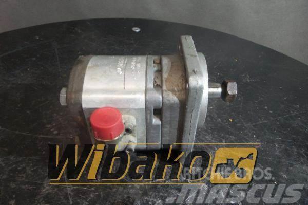 Bosch Hydraulic motor / Silnik hydrauliczny Bosch 051154