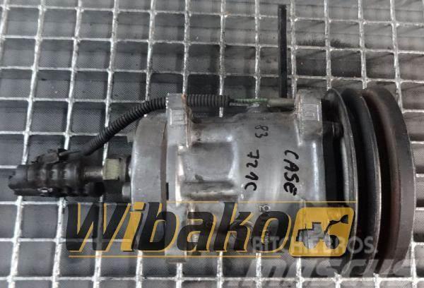 CASE Air conditioning compressor Case 721C