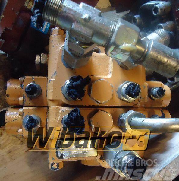 CASE Control valve Case 1088 M/2