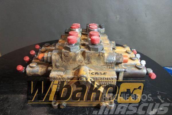 CASE Control valve Case 621C 021340711167