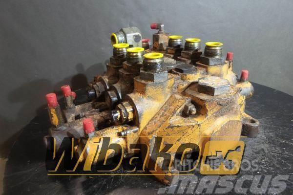 CASE Control valve Case 821 M/3