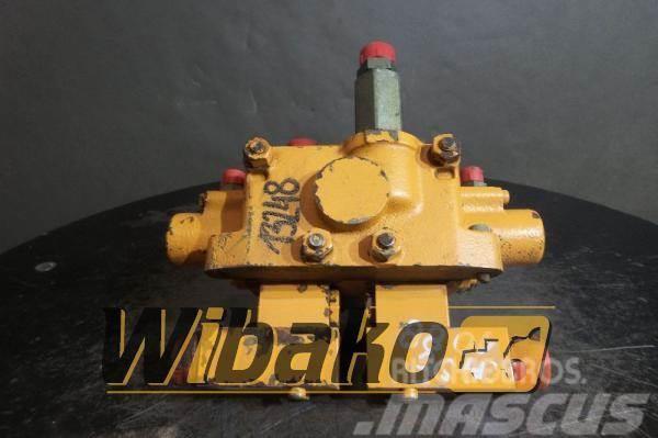 CASE Control valve / Rozdzielacz Case 1088