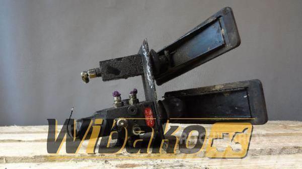 CASE Pedal Case 988