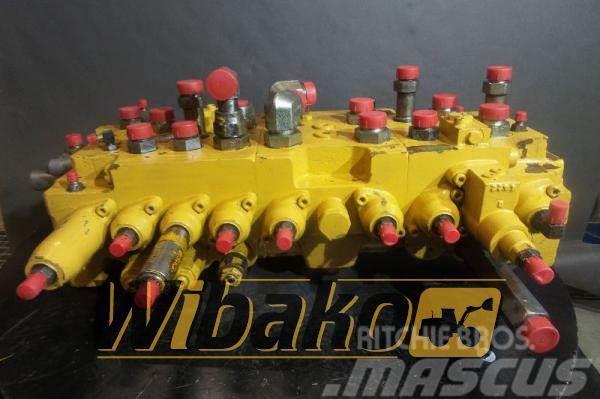 Caterpillar main control valve Caterpillar KMX13S/P34002 4I648