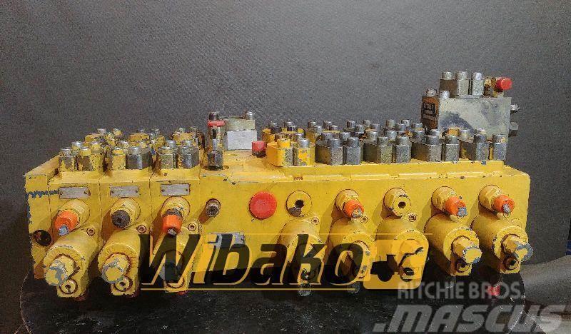 Caterpillar main control valve Caterpillar M7-1100-02/5M7-22 9