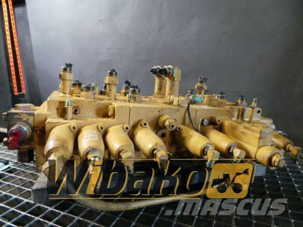 Caterpillar main control valve / Rozdzielacz główny Caterpilla