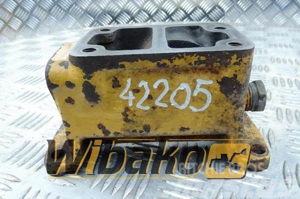 Caterpillar Oil filter base adapter Caterpillar 3406 4N-0287