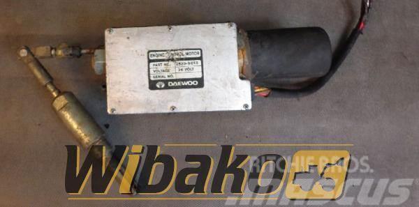 Daewoo Stepper motor / Silnik krokowy Daewoo 2523-9013