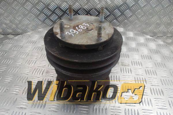 Deutz Fan hub + pulley Deutz TCD2015 V06 04262534