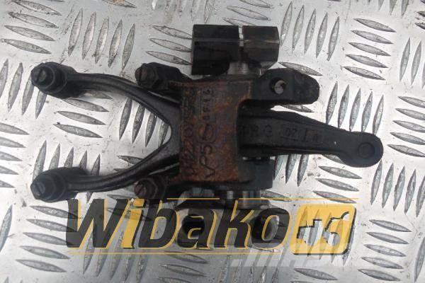 Deutz Rocker arm Konik Deutz TCD2015 V06 04220713RG/0461