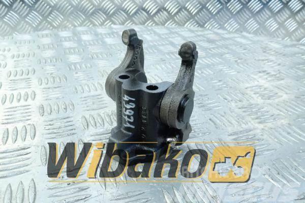 Deutz Valve lever + bracket Deutz BF6M1013E 04503742/042
