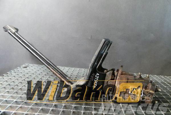 Doosan Drive pedals Doosan SOLAR 255LC-V