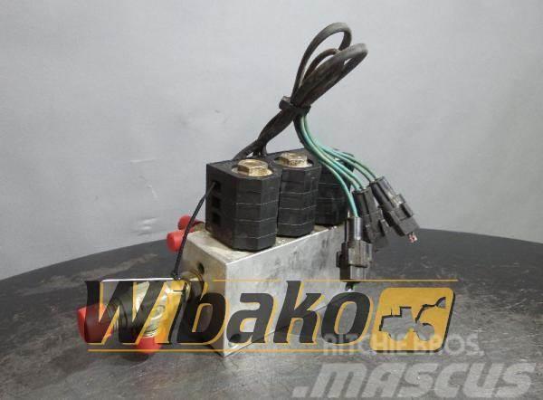 Doosan Valves set Doosan SOLAR 255LC-V E-3