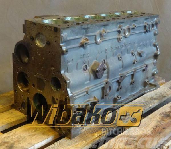 Iveco Crankcase Iveco F4AE0684EX*