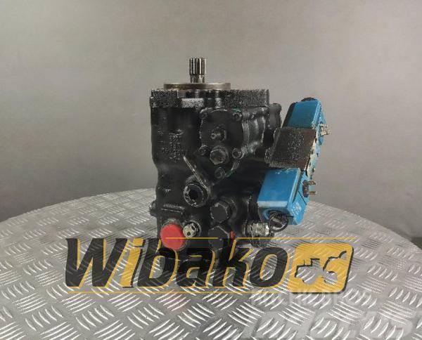 Kayaba Hydraulic pump Kayaba 7095740