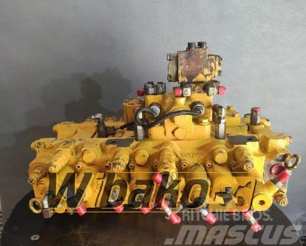 Komatsu Control valve Komatsu 723-46-11110-E UEA01735
