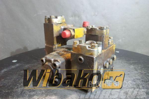 Komatsu Control valve Komatsu PC210-3