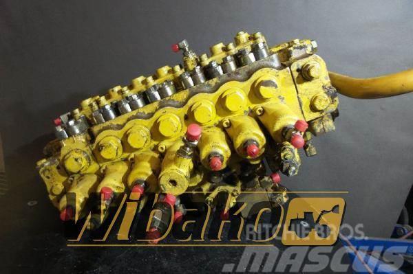 Komatsu Control valve / Rozdzielacz Komatsu PC210-6K 72346