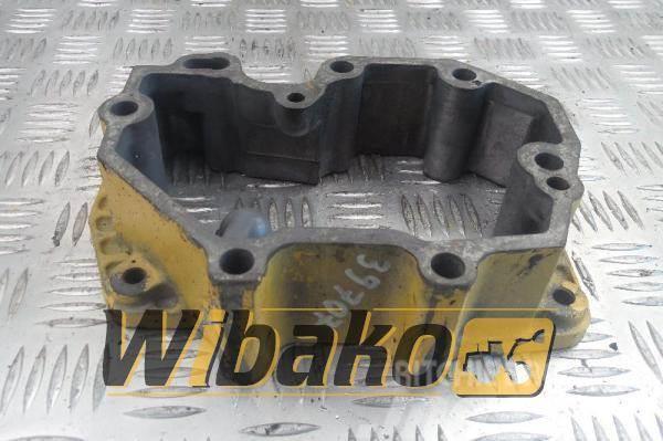 Komatsu Cylinder head cover Komatsu S6D125E-1