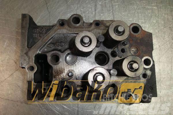 Komatsu Cylinder head Komatsu SAA6D125E-3 6156111110