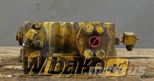 Komatsu Cylinder valve Komatsu PC180