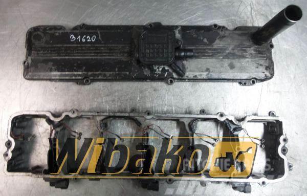 Komatsu Cylinderhead cover Komatsu SAA6D114E-3