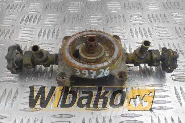 Komatsu Fuel filter bracket Komatsu S6D125E-125 6150-61-82