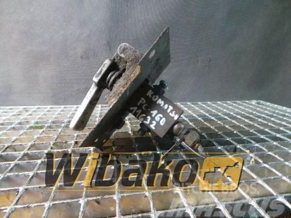 Komatsu Pedal Komatsu PC160