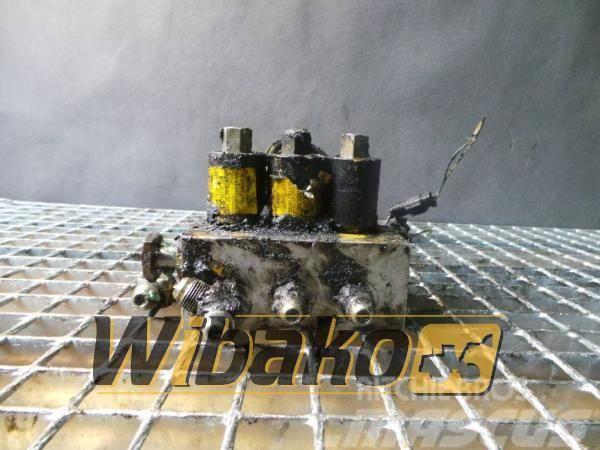 Komatsu Valves set Komatsu PC210LC-5 E-3