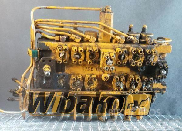 Liebherr Control valve Liebherr R942 L 567790/1