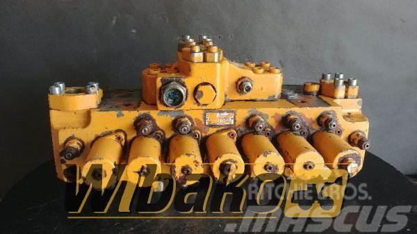 Liebherr Control valve Liebherr R902