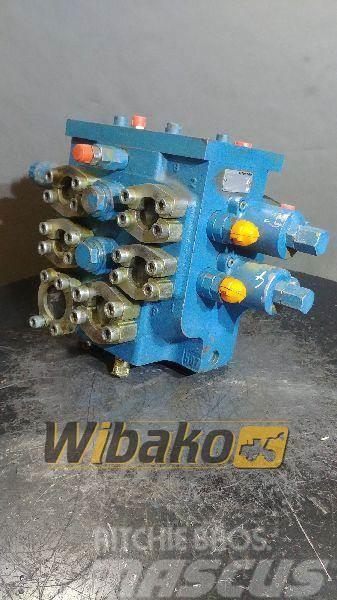 Liebherr Control valve / Rozdzielacz Liebherr R9002491052 5