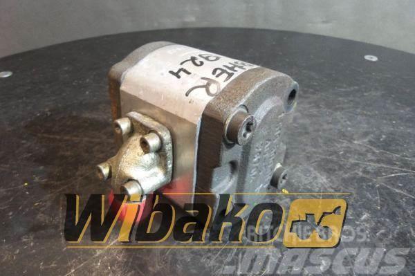 Liebherr Gear pump / Pompa zębata Liebherr 5716937