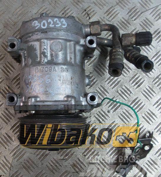 Liebherr Sprężarka klimatyzacji Liebherr D 934 L A6 B709AS6