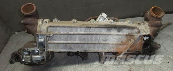 Mitsubishi Oil cooler with oil filter housing and bases Silni