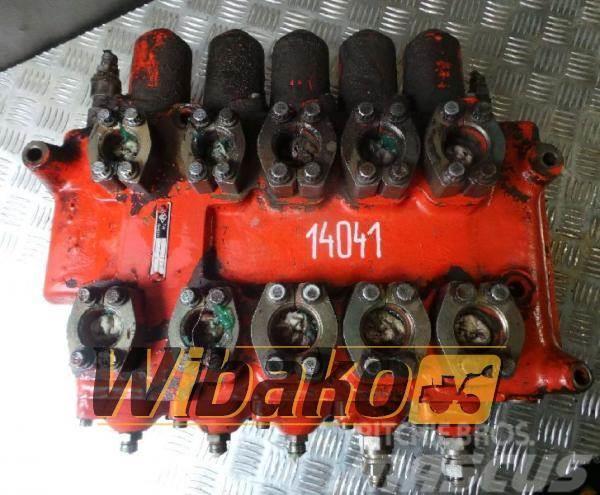 O&K Control valve / Rozdzielacz O&K 2122695