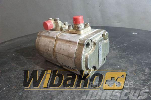 O&K Gear pump O&K 2224971R 07986798