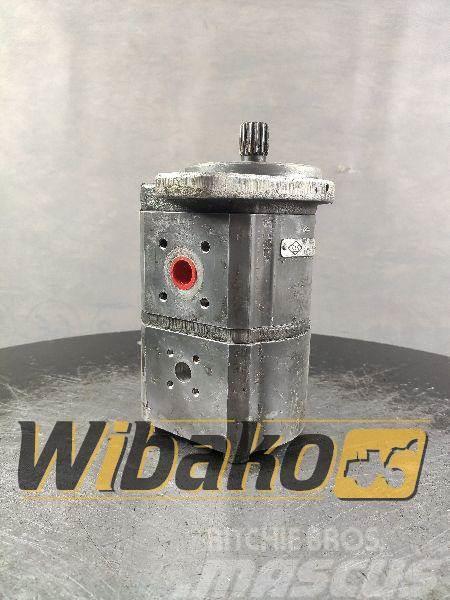 O&K Gear pump O&K 4530902R 02011210