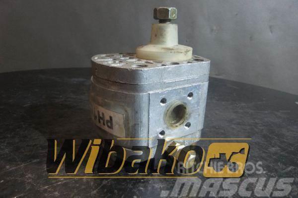 Poclain Hydraulic pump / Pompa pomocnicza Poclain 70316908