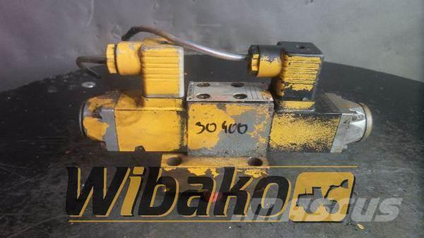 Rexroth Valves set Rexroth 4WE5J62/G24N 421537/2