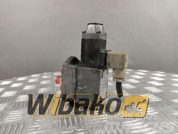 Rexroth Valves set Rexroth 4WE6D53/AG12NZ4