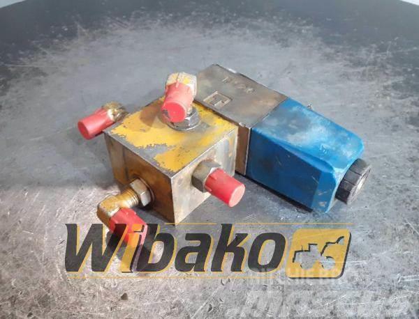 Vickers Valves set Vickers DG4V-3-6BL-M-KU4-H-7-50-JA84