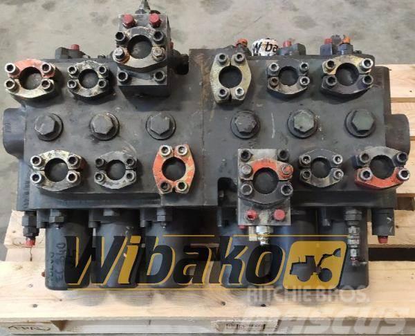 Volvo Control valve Volvo EC340 M/6