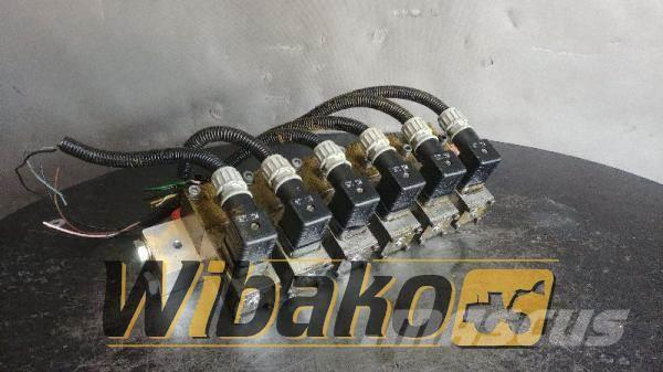 Volvo Control valve Volvo L180