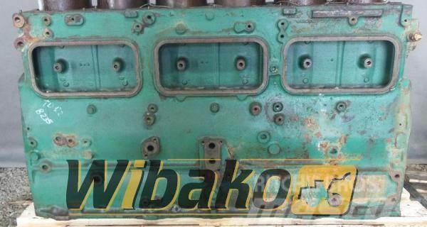 Volvo Crankcase Volvo TD122KME 161258154