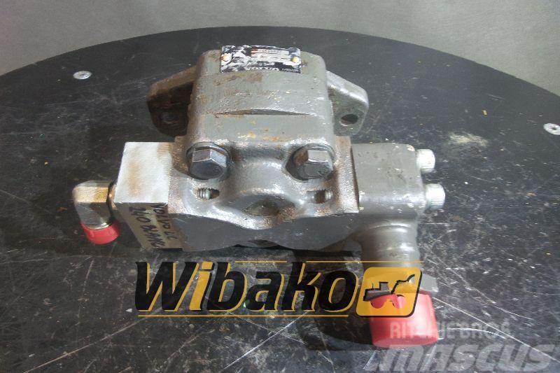 Volvo Gear pump / Pompa zębata Volvo 14525540