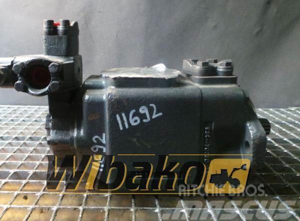 Volvo Hydraulic pump / Pompa hydrauliczna Volvo 90110756